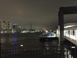 日の出桟橋に漂うJicoo